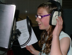 Louise sings a lead vocal for Taylor Swift's 22.
